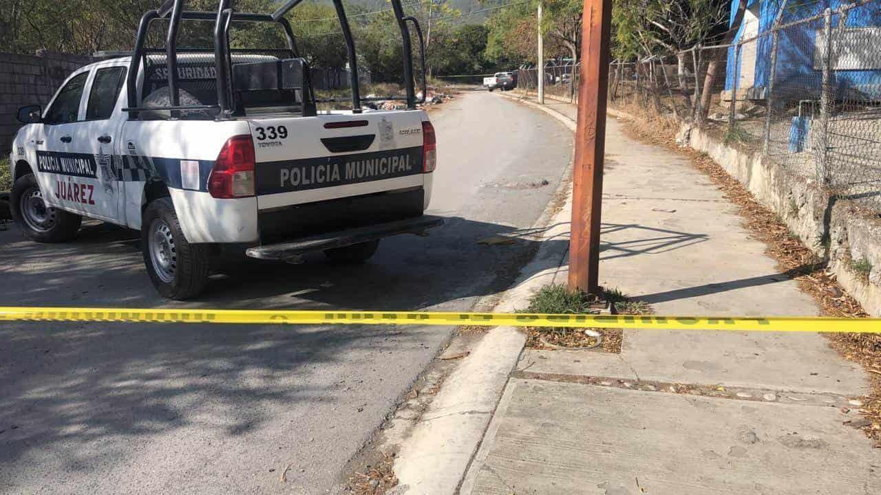 El cuerpo de un hombre ejecutado a balazo, fue encontrado dentro de un auto