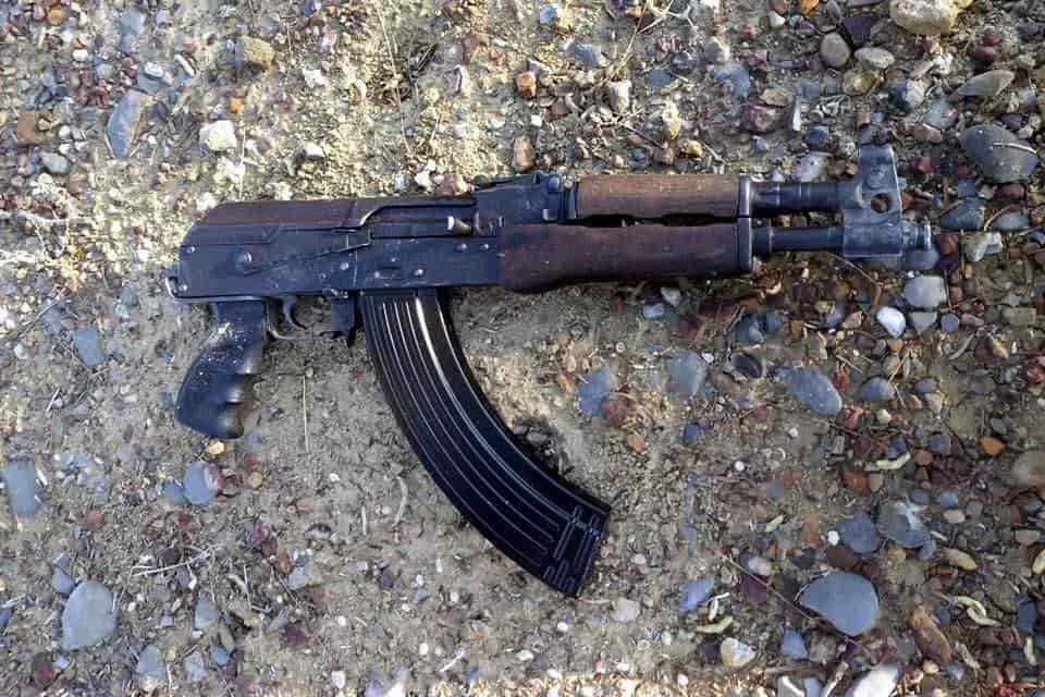 Se aseguró ropa táctica y un fusil de alto poder, en una brecha de Agualeguas