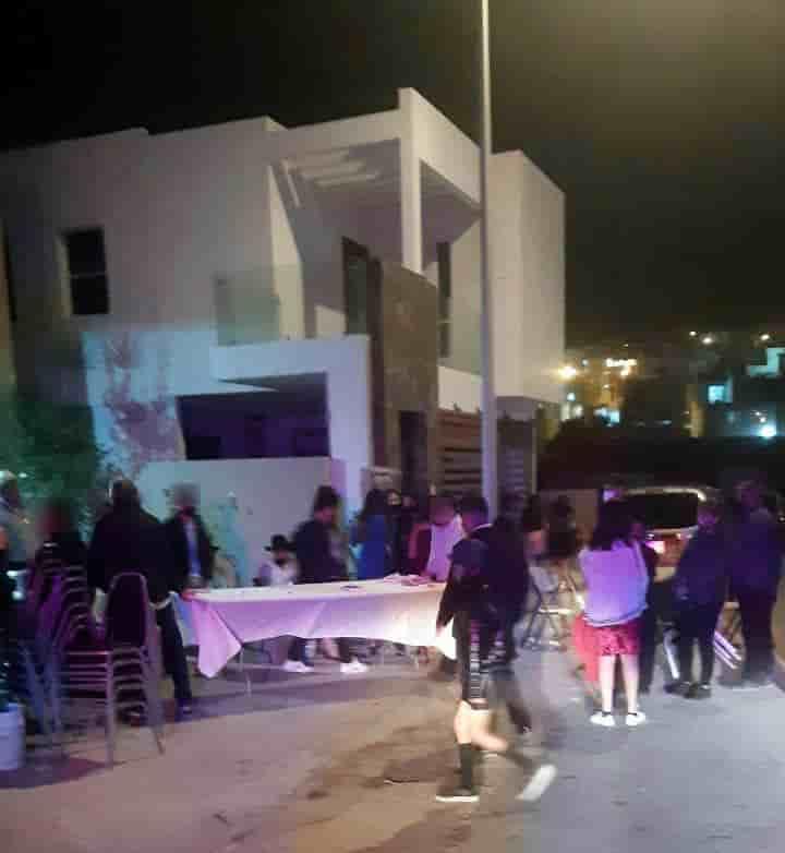 Una fiesta de XV Años que se realizaba en el municipio de Santa Catarina, fue suspendida por las autoridades