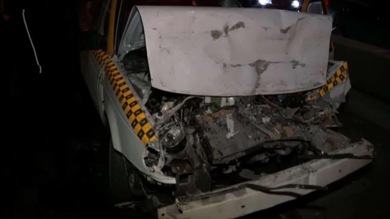 Entre los vehículos implicados se encuentran dos automóviles de alquiler, un autobús y otros autos particulares