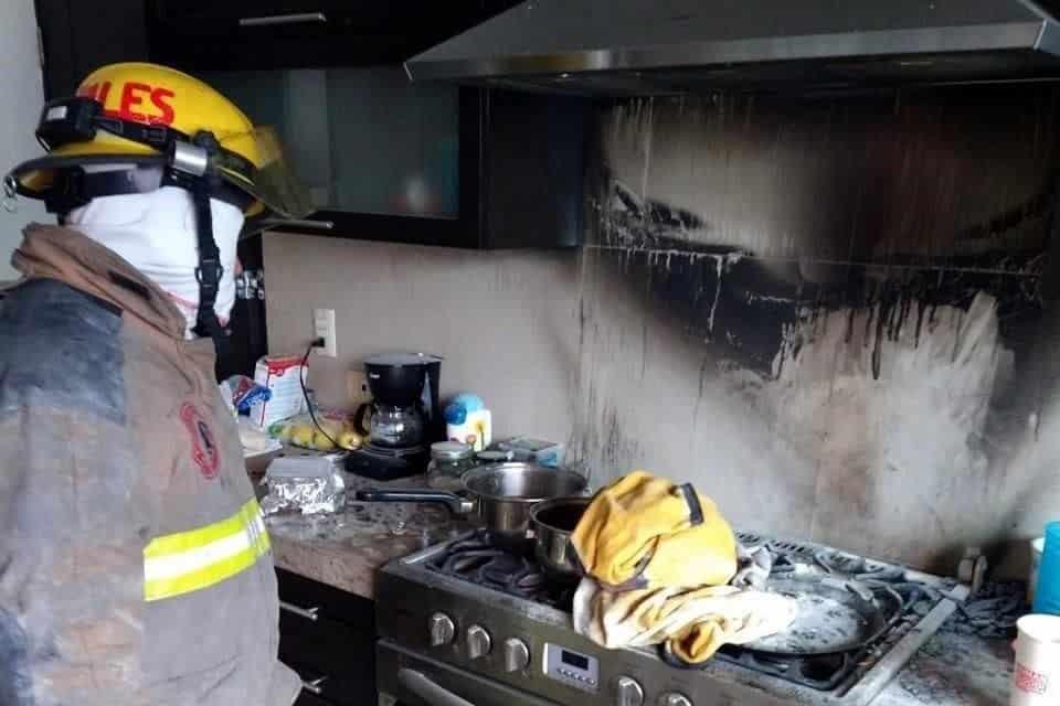 El incendio se registró en la cocina al derramarse aceite hirviendo