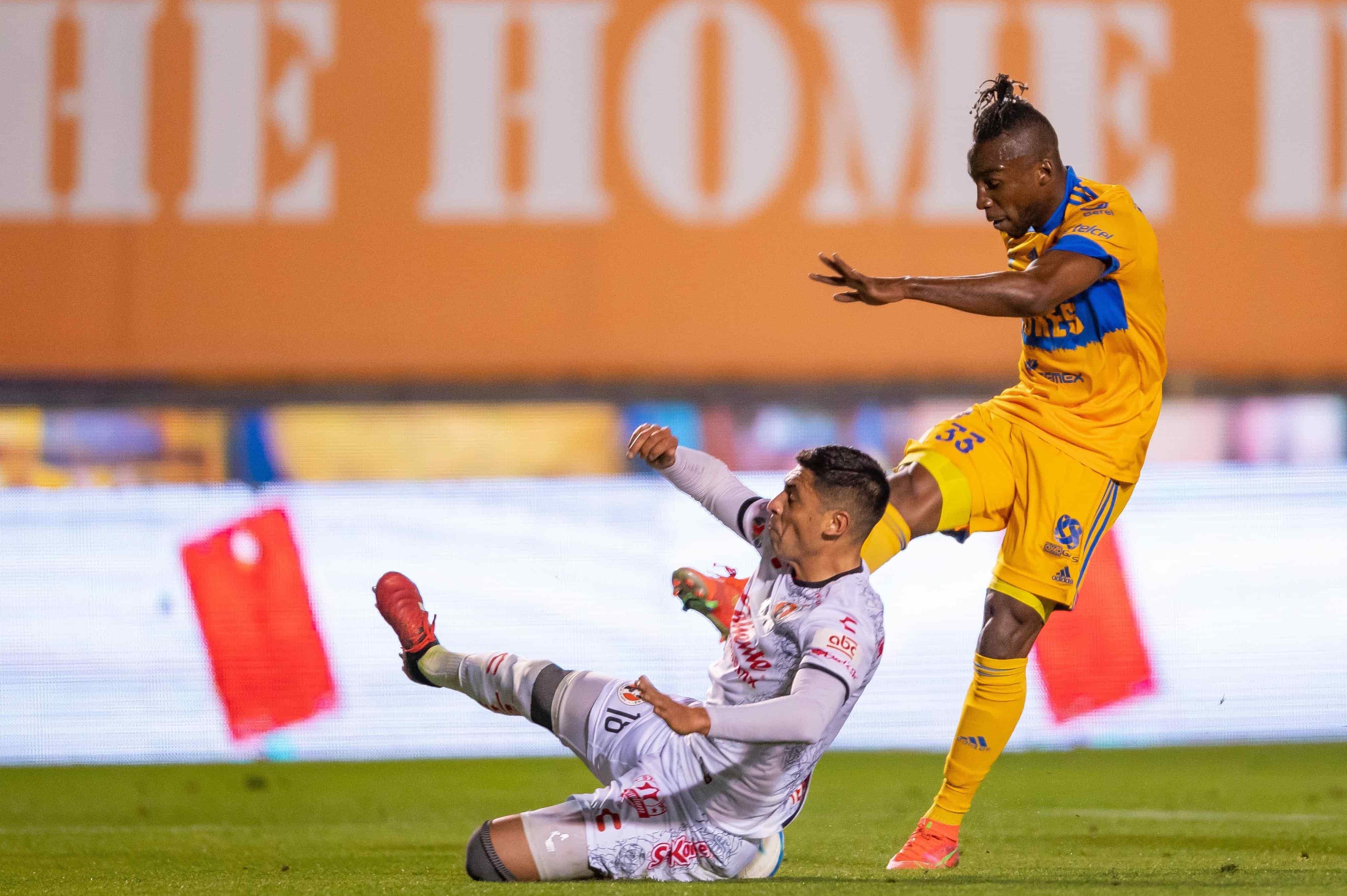 Vence Tigres 3-2 a Tijuana