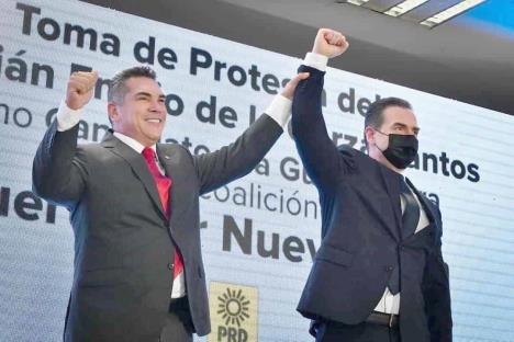 Toma Adrián protesta como candidato a la gubernatura