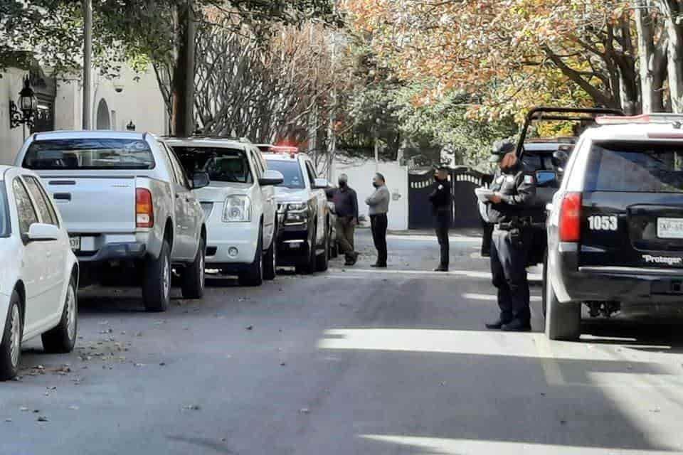 Tres delincuentes armados asaltaron su residencia, llevándose 24 mil dólares y un lote de joyas