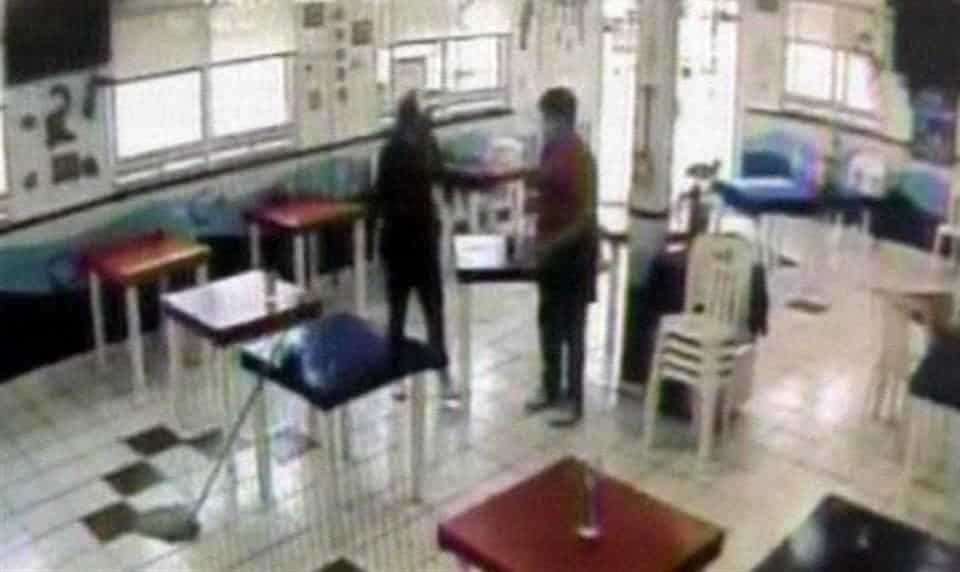 Buscan a dos delincuentes, que asaltaron con lujo de violencia un restaurante de mariscos