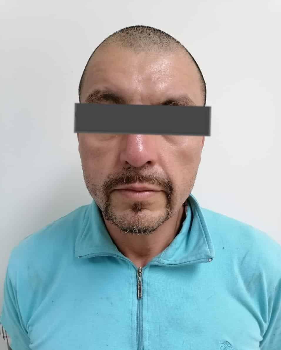 Le ejecutaron al arrestado una orden de aprehensión por el delito de homicidio calificado