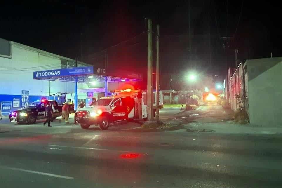 Una bodega ubicada a escasos metros de la estación de Gas comenzó a incendiarse