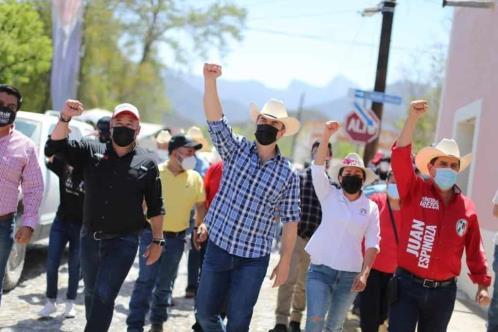 Va Adrián por Unidad Médica en Allende