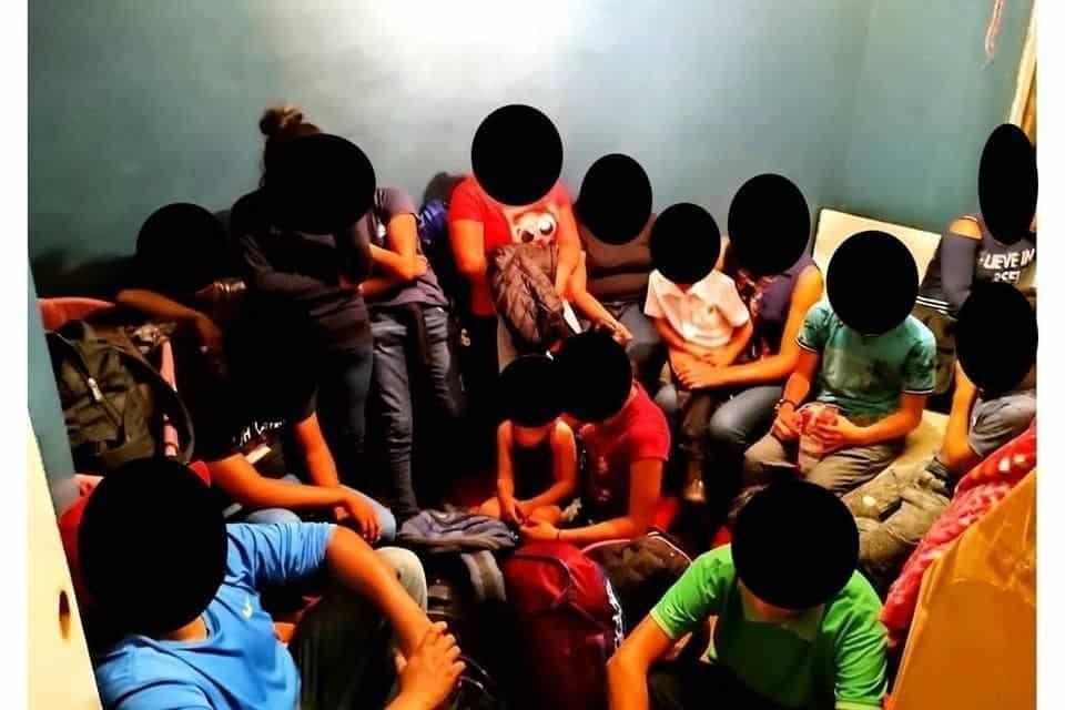 Rescataron a 46 migrantes que tenían tres días retenidos por una banda de polleros en la colonia Los Tréboles