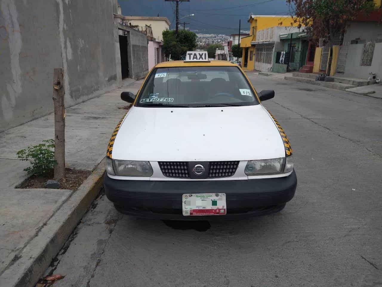 Recuperaron un taxi que contaba con reporte de robo, en la Colonia Madre Selva