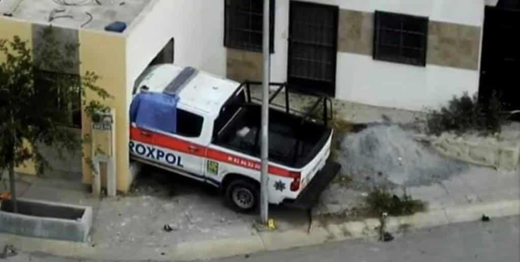 Una mujer y su pequeña hija, murieron después que una patrulla Proxpol de Escobedo, se impactara en la pared de su recamara