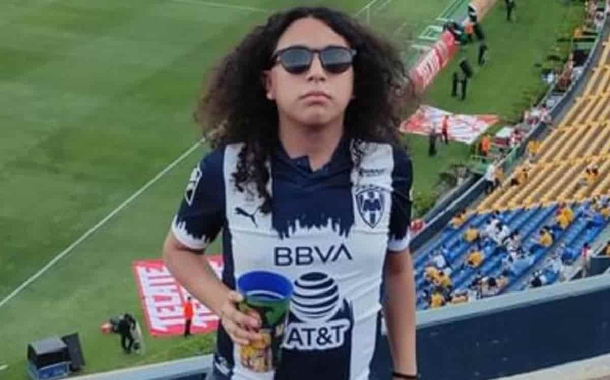 El hincha del equipo Rayados de Monterrey, sufrió diversas lesiones