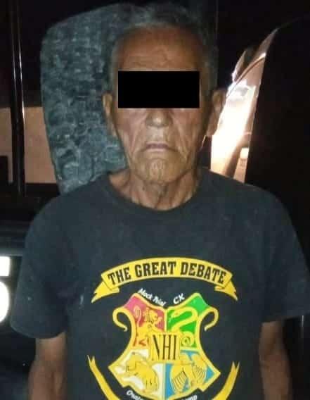 El hombre de la tercera edad, llevaba cuatro envoltorios con droga y tenían las siglas de un grupo delictivo