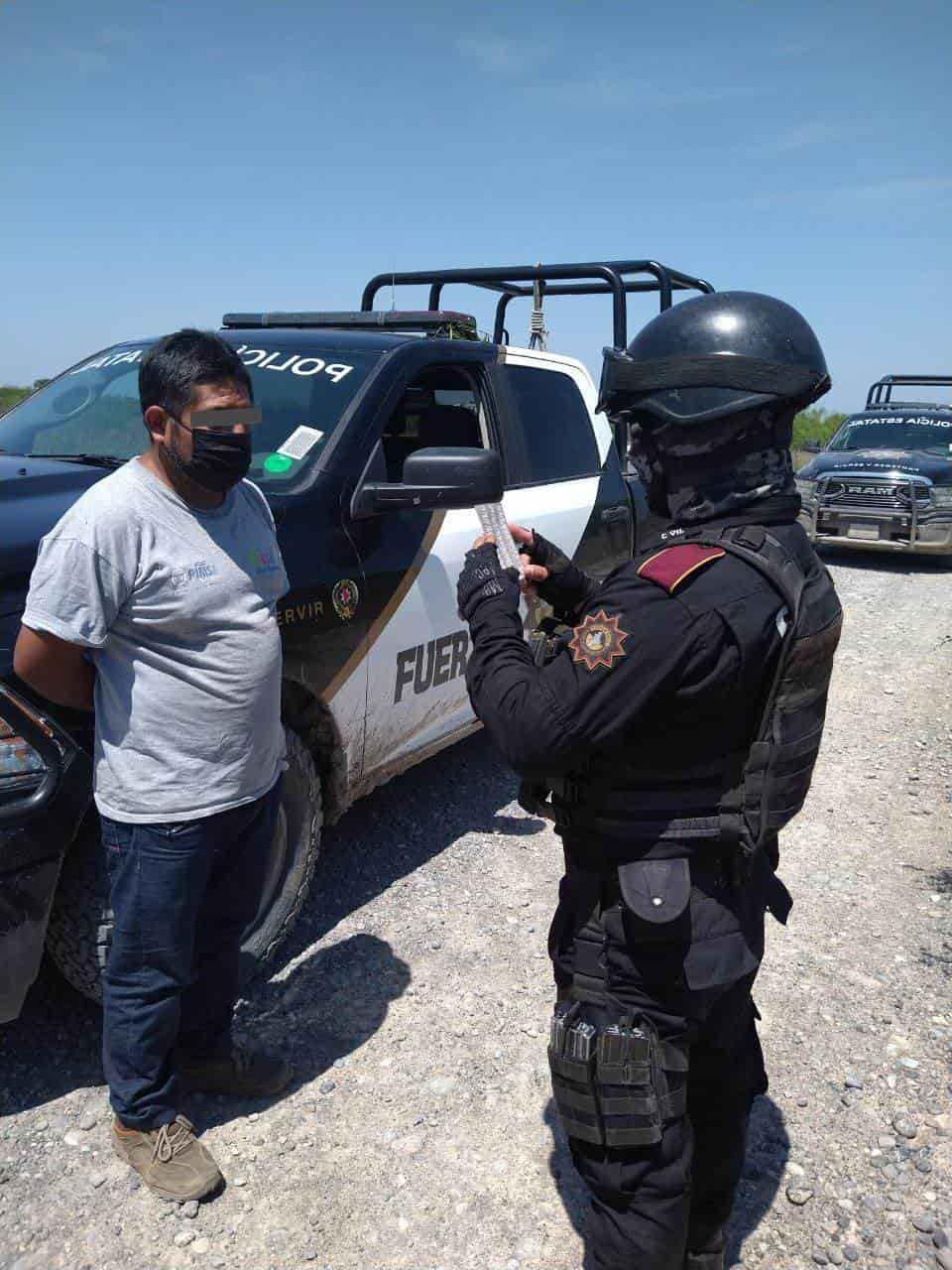 "Interceptan a un grupo de 27 indocumentados centroamericanos que viajaban en un ""transporte escolar"""