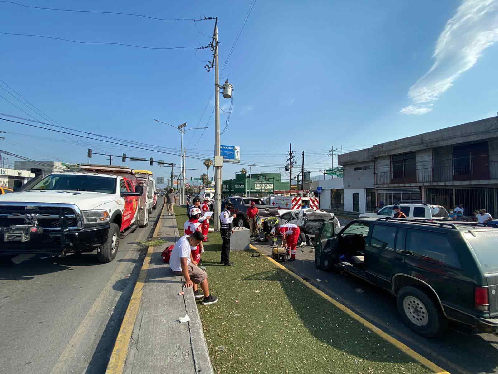 Ocasionó un choque múltiple en la avenida Ruiz Cortines, dejando un saldo de cuatro lesionados y cuantiosos daños materiales.