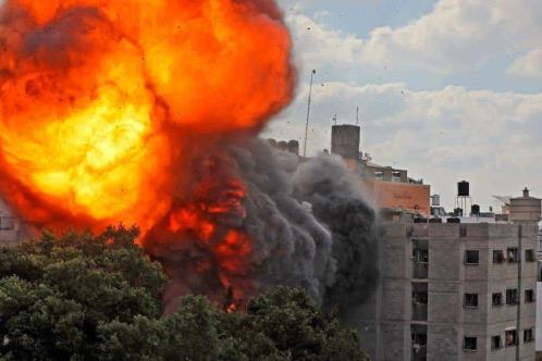Ya son más de 100 palestinos muertos por ataques en Gaza