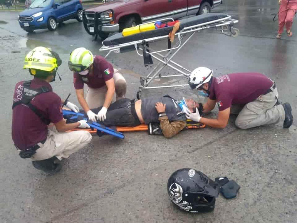Terminó con lesiones de consideración al estrellarse en un costado de una camioneta