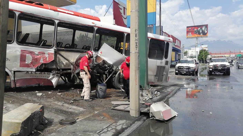 Tres pasajeros de un transporte urbano de la Ruta 219-Churubusco resultaron lesionados