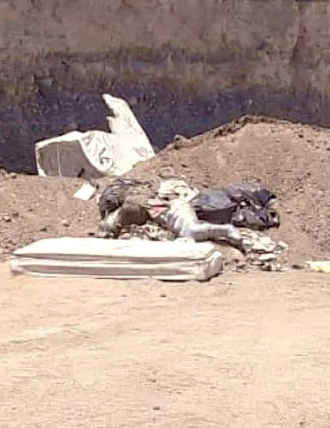 El cadáver de un hombre encintado, bajo un colchón y en avanzado estado de descomposición fue encontrado en Valle de Lincoln