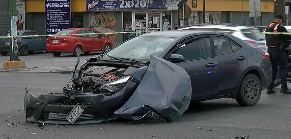 El pasajero de un transporte urbano de la Ruta 13 falleció ayer luego de chocar la unidad