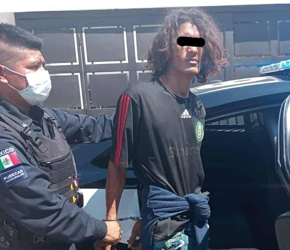 Los detuvieron en el momento en que cometían un robo a un domicilio