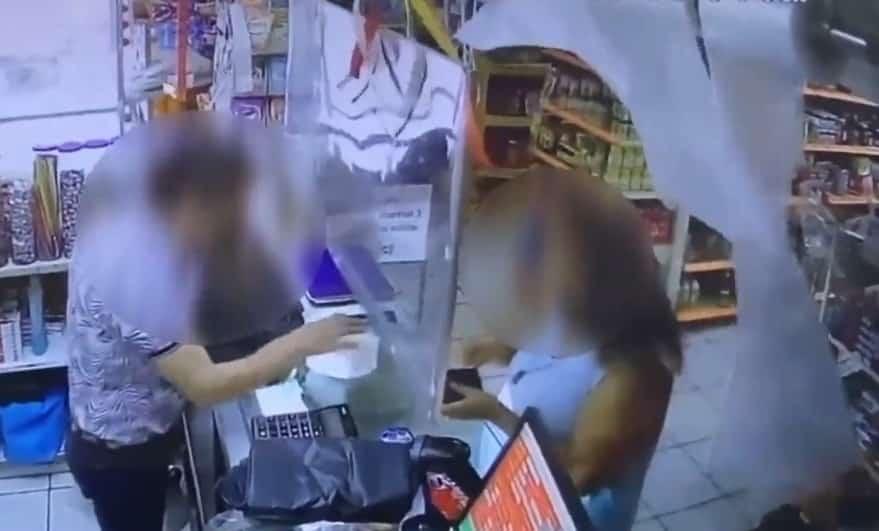 Tres delincuentes asaltaron con lujo de violencia, una tienda de abarrotes