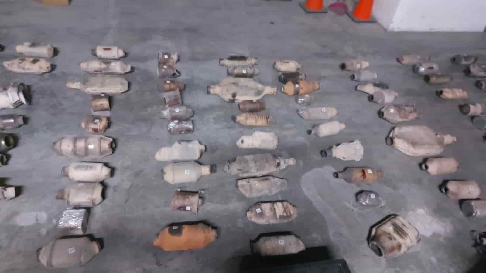 fueron encontrados 157 catalizadores de vehículos durante cateos en San Nicolás