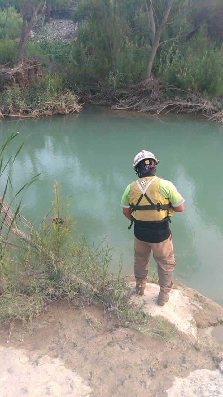 Hallaron el cuerpo de una persona flotando en aguas del río Pesquería