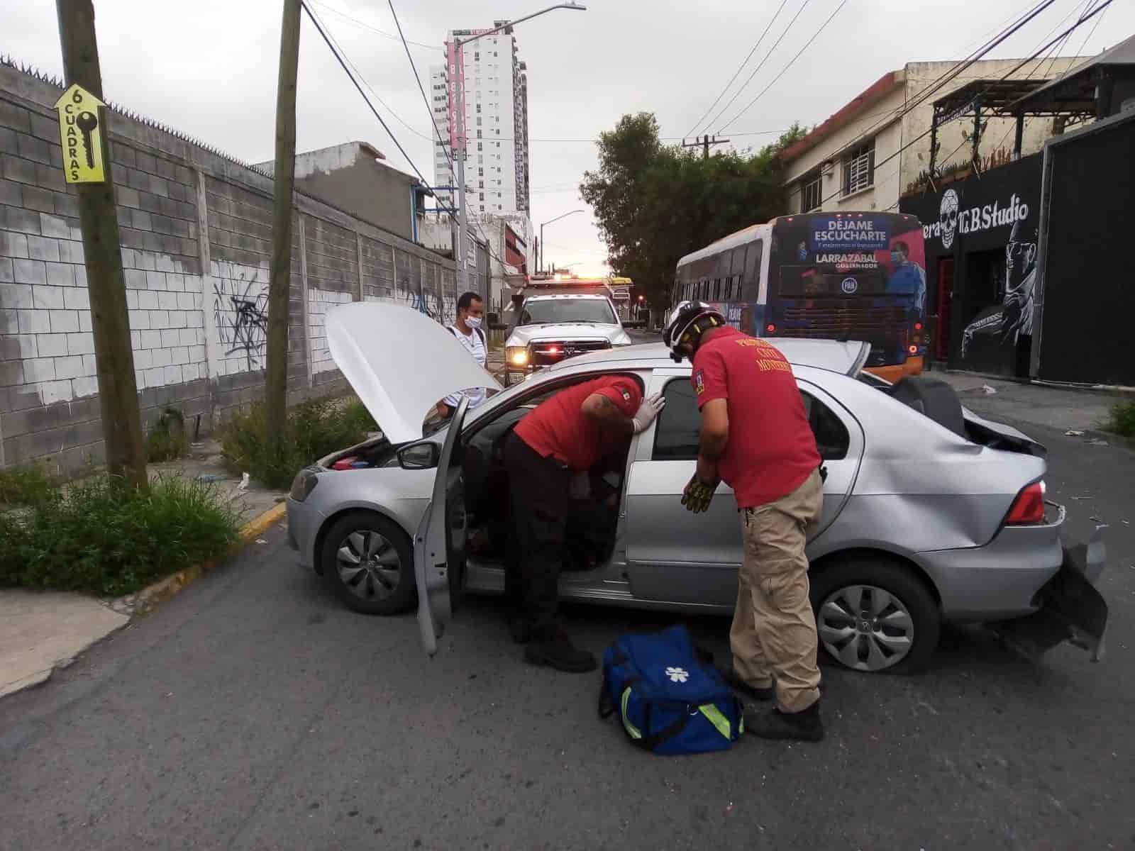 Resultó con diversas lesiones luego de ser chocado por un transporte urbano