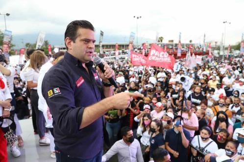 Reúne Paco a 5 mil vecinos en La Alianza