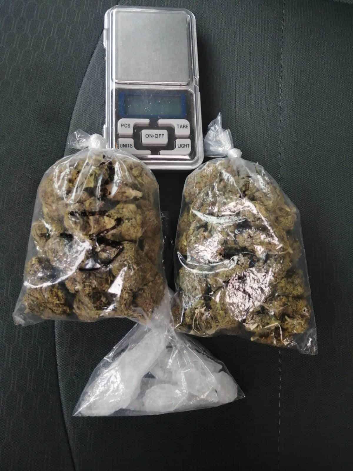 Cuatro hombres fueron detenidos en posesión de droga