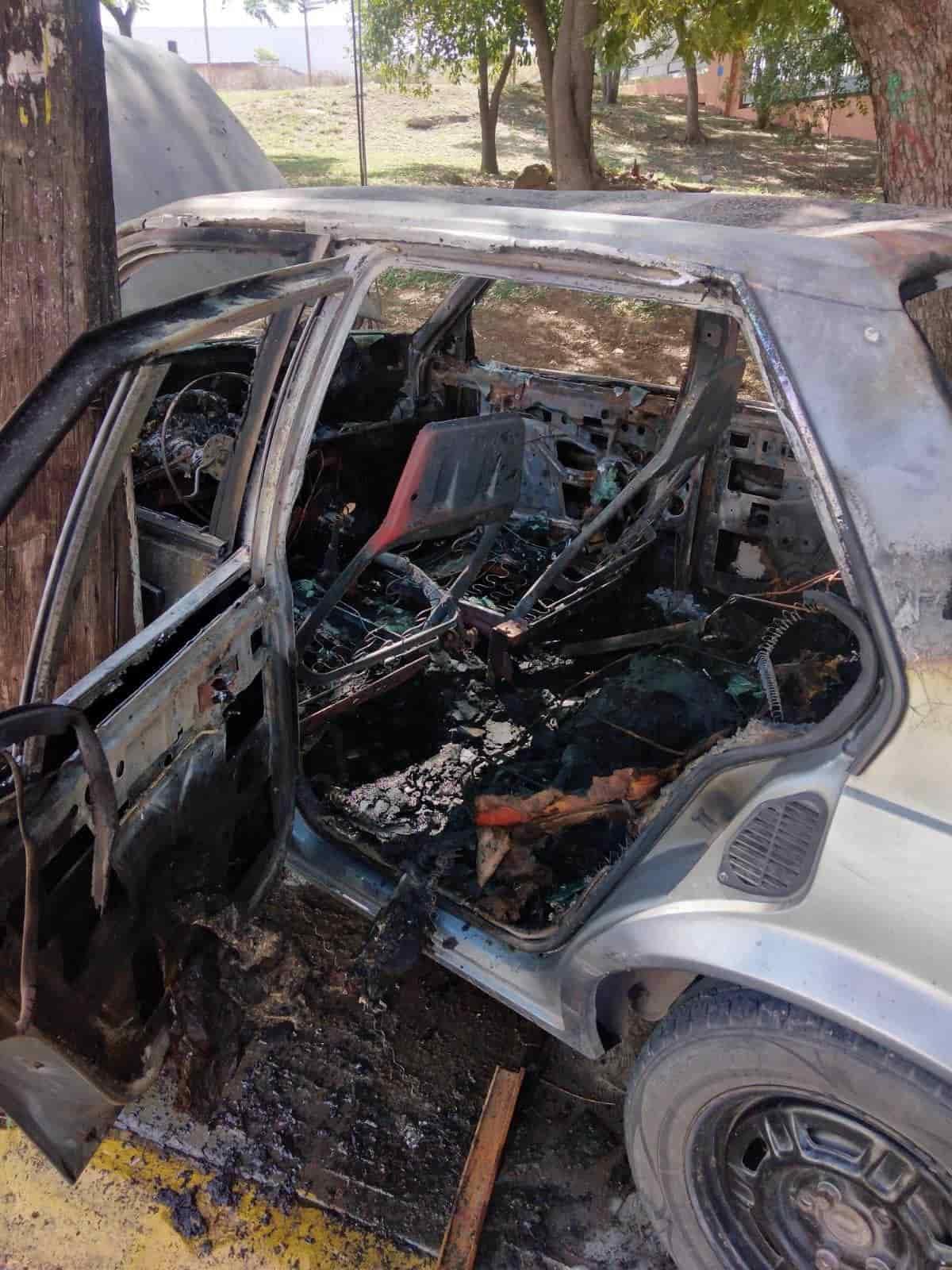 Las autoridades estatales investigan el incendio de un automóvil