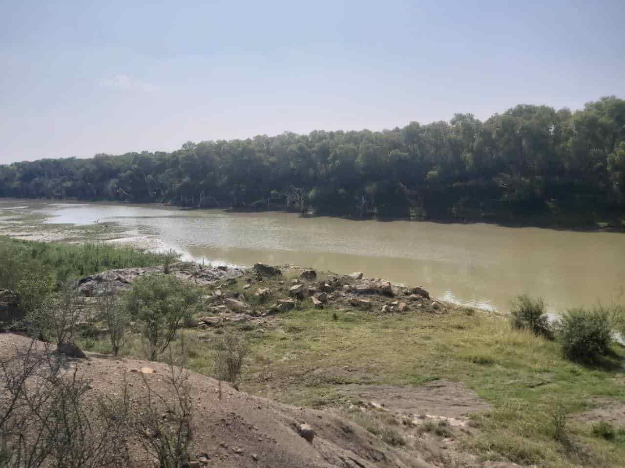 Dos hombres se ahogaron en el río, ante la mirada de sus familiares
