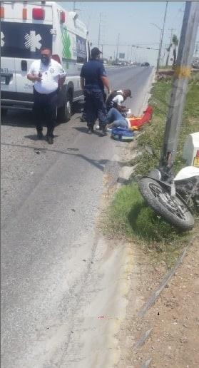 Terminó con lesiones de consideración, al estrellarse contra un camión de plataforma