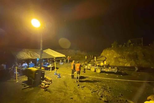 Chocan Bartlett y Riquelme, por deslave en mina