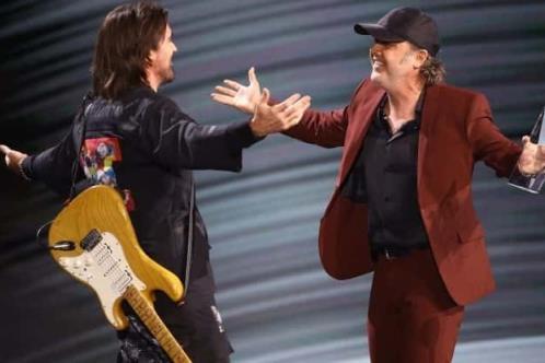 Juanes, Laferte y Balvin en disco aniversario de Metallica