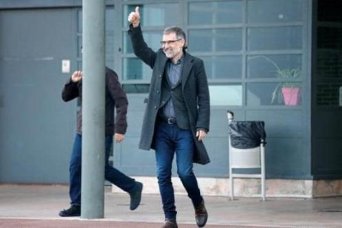 Liberan a líderes secesionistas catalanes