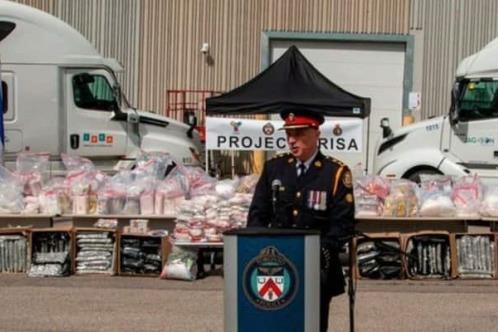 Desmantelan banda de narcos en Canadá