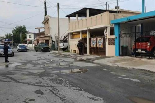 Atacan sicarios negocio en Cadereyta