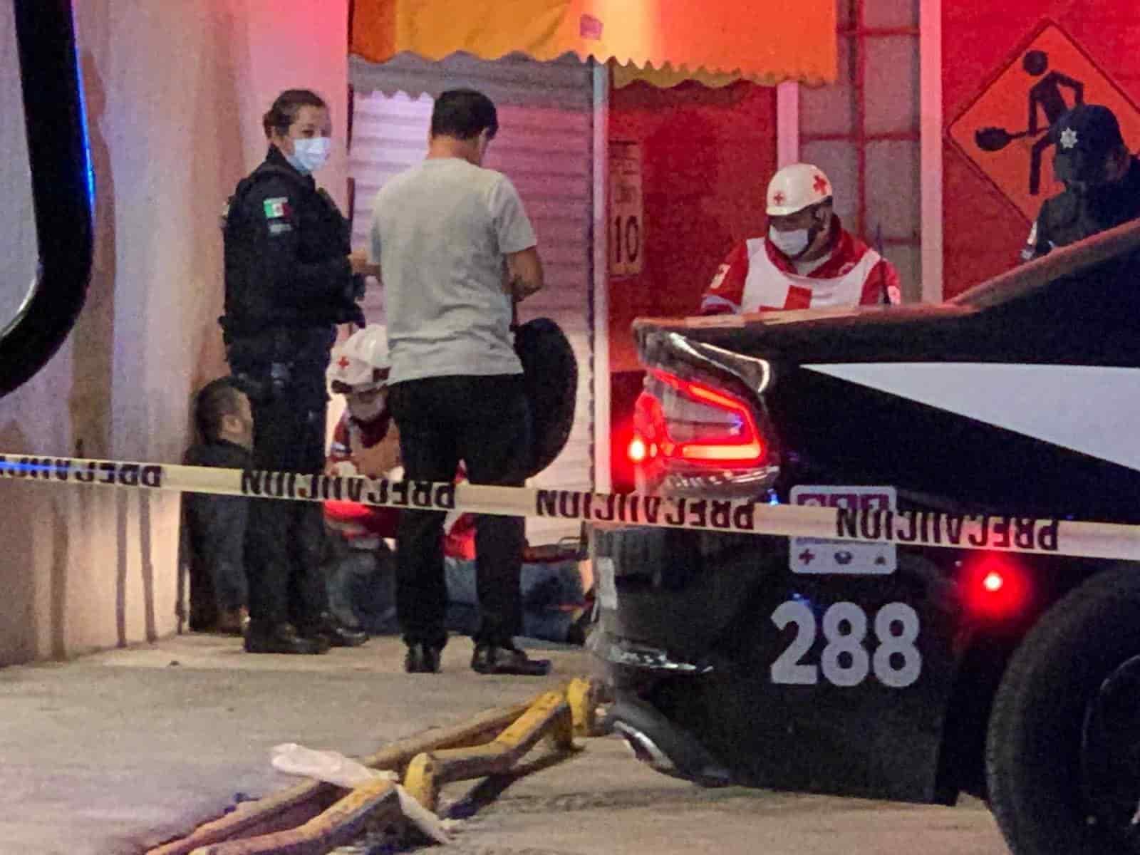 Con un balazo en la cara resultó el gerente de un bar, luego de ser baleado desde un auto en marcha