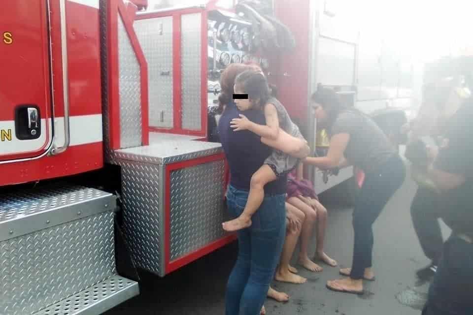 Fueron rescatados luego de registrarse el incendio en su domicilio