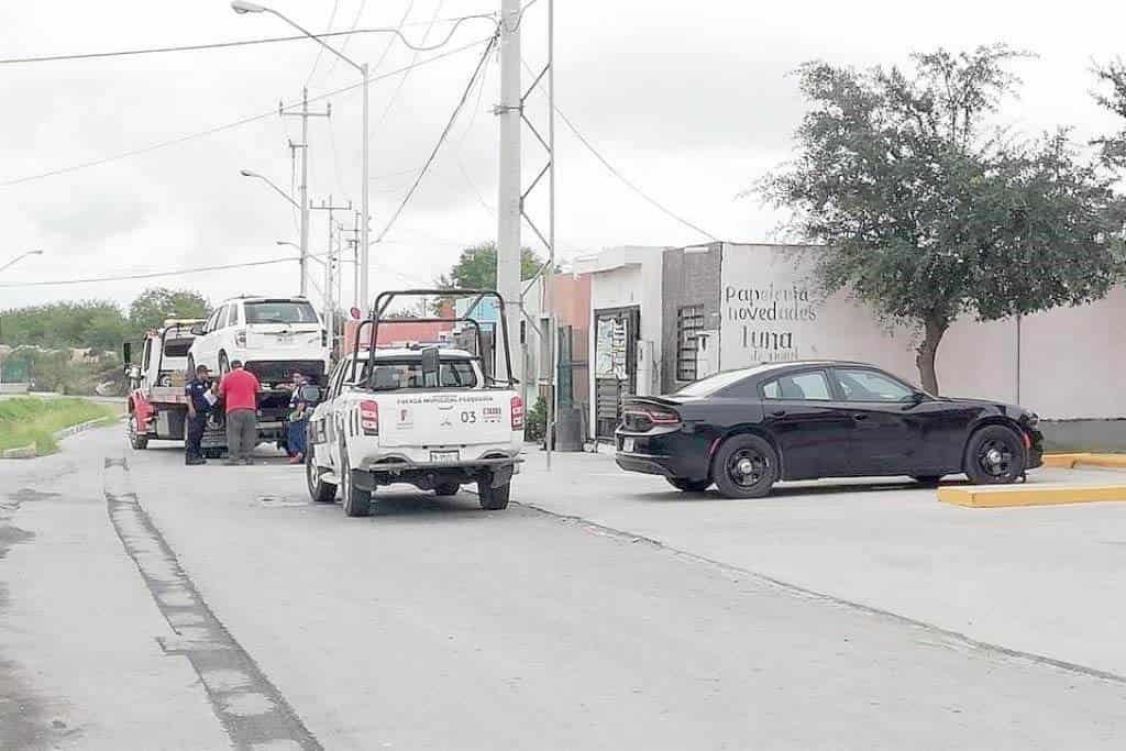 Vecinos de Pesquería mataron a golpes a un hombre que junto con dos cómplices, estaban cometiendo robos tipo cristalazo