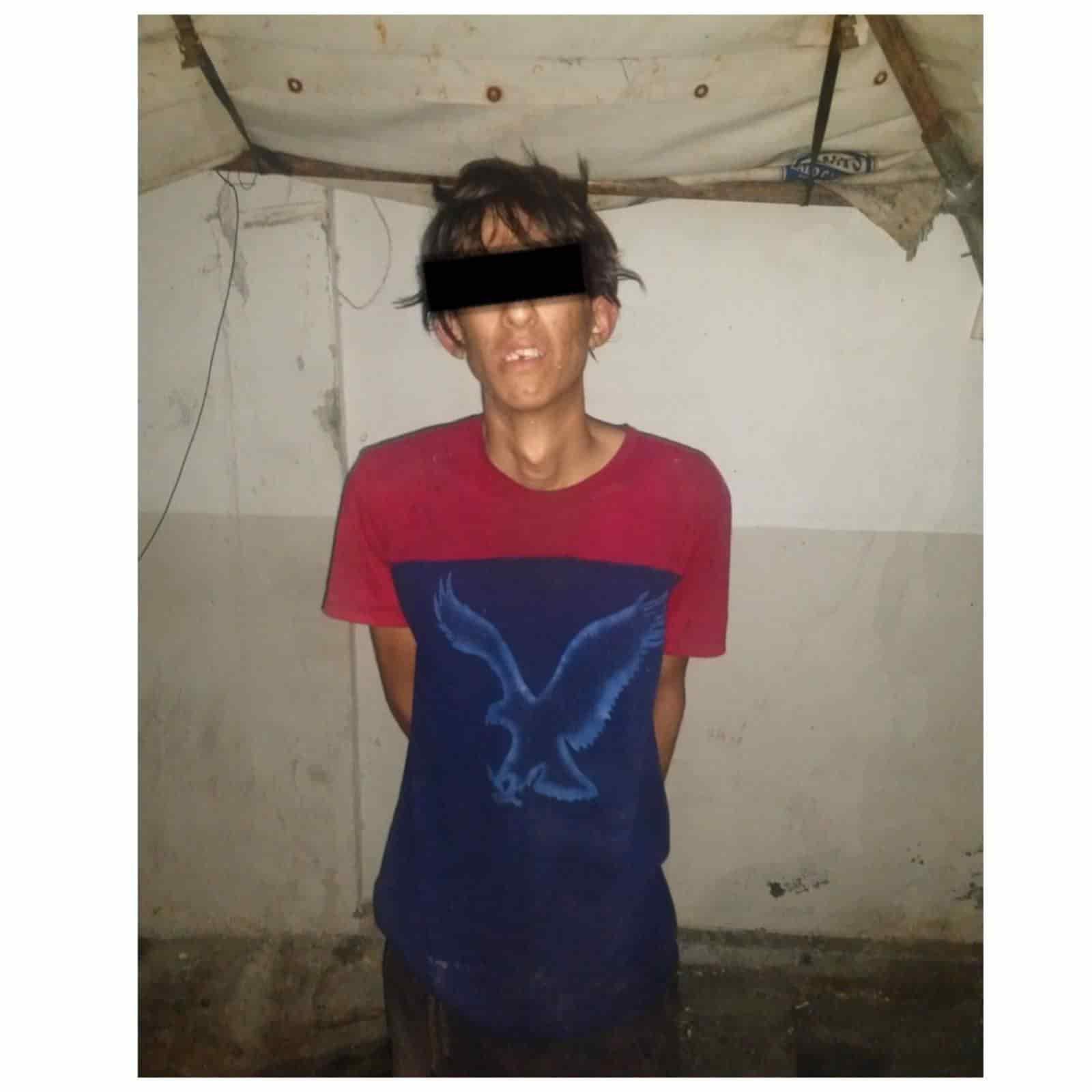 Después de cometer un robo en un plantel educativo, un joven fue detenido
