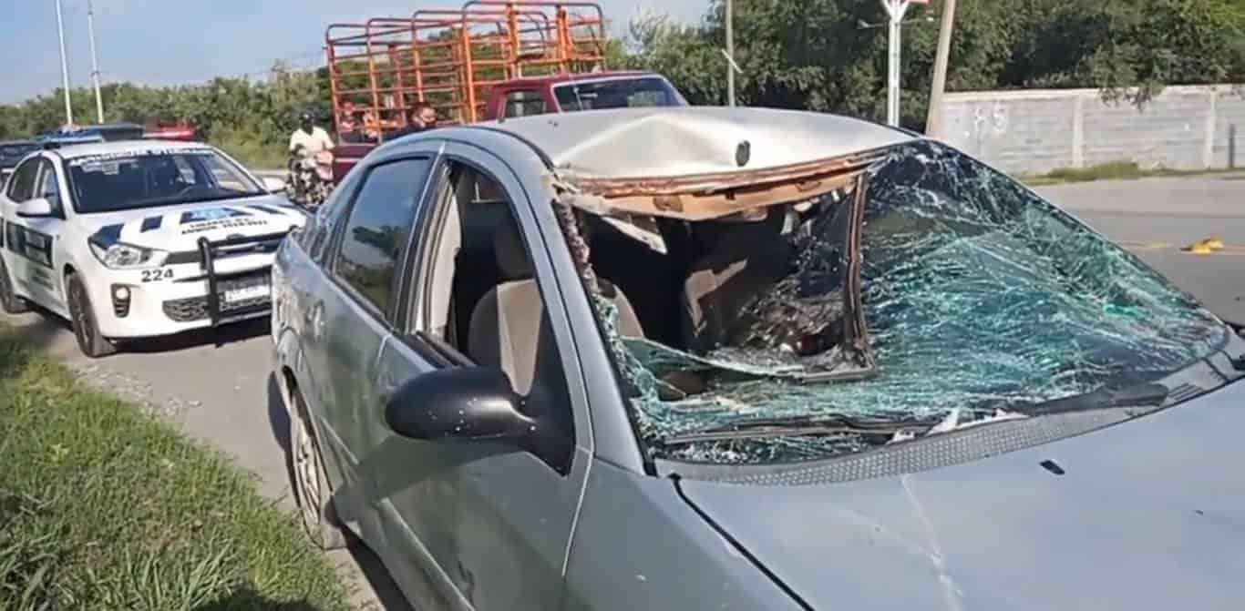 Integrantes de una familia terminaron con diversas lesiones, después de chocar contra un caballo