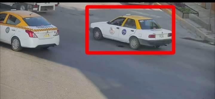 En un taxi robado y en el cual asaltaron un negocio de venta de tacos, dos hombres fueron detenidos