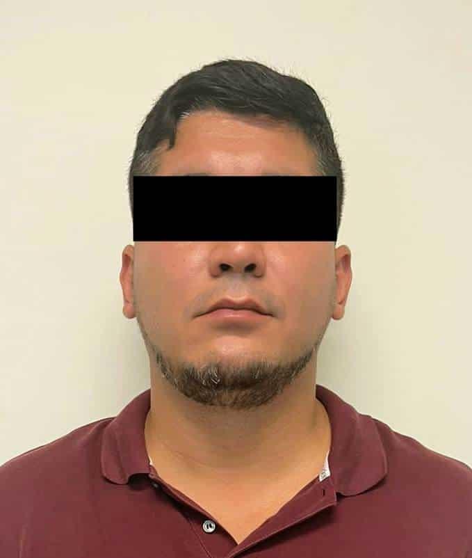 El empleado de la FGJ fue detenido por robo y falsificación de documentos, entre otros delitos.