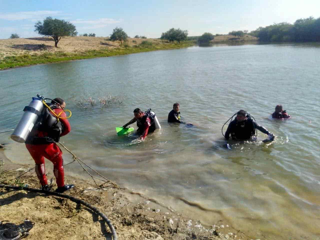 Intentar ubicar cuerpo de un jovencito que fue tragado por las aguas profundas del Río La Unión