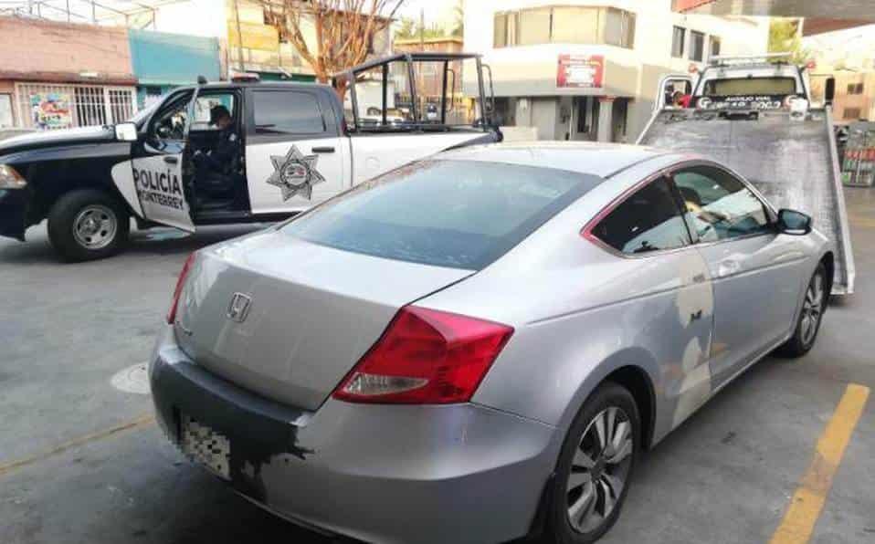 La Policía aseguró un automóvil que era conducido por un adolescente, quien huyó al ver la patrulla con 60 mil pesos en efectivo