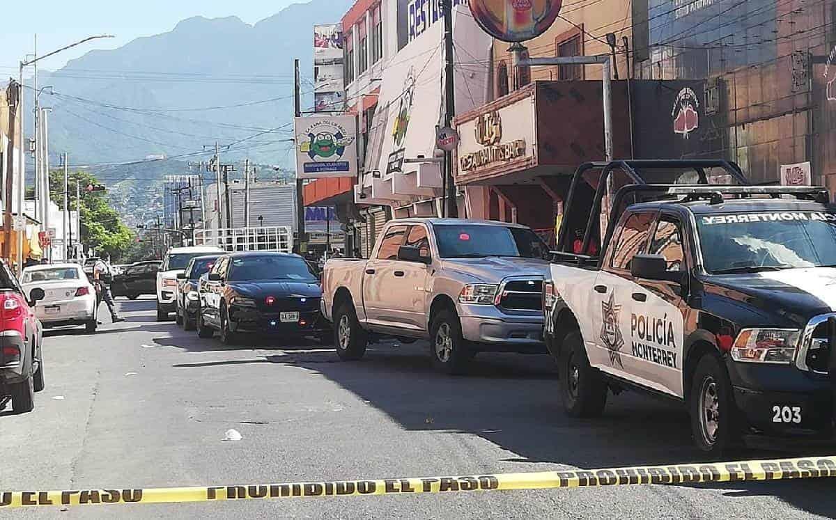 20 centroamericanos fueron rescatados por elementos de la policía de Monterrey, después de ser abandonados en un Hotel del Centro de la Ciudad