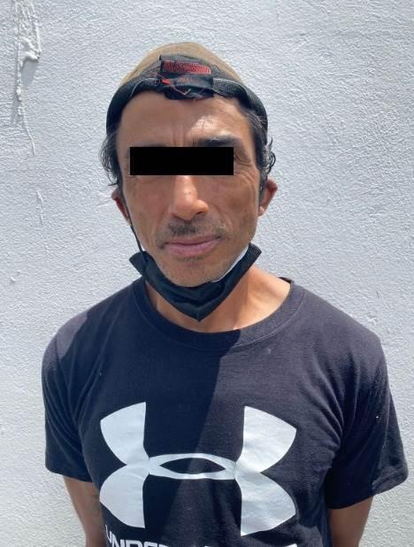Detenido en el momento que amenazaba con un machete a su hermano y cuñada